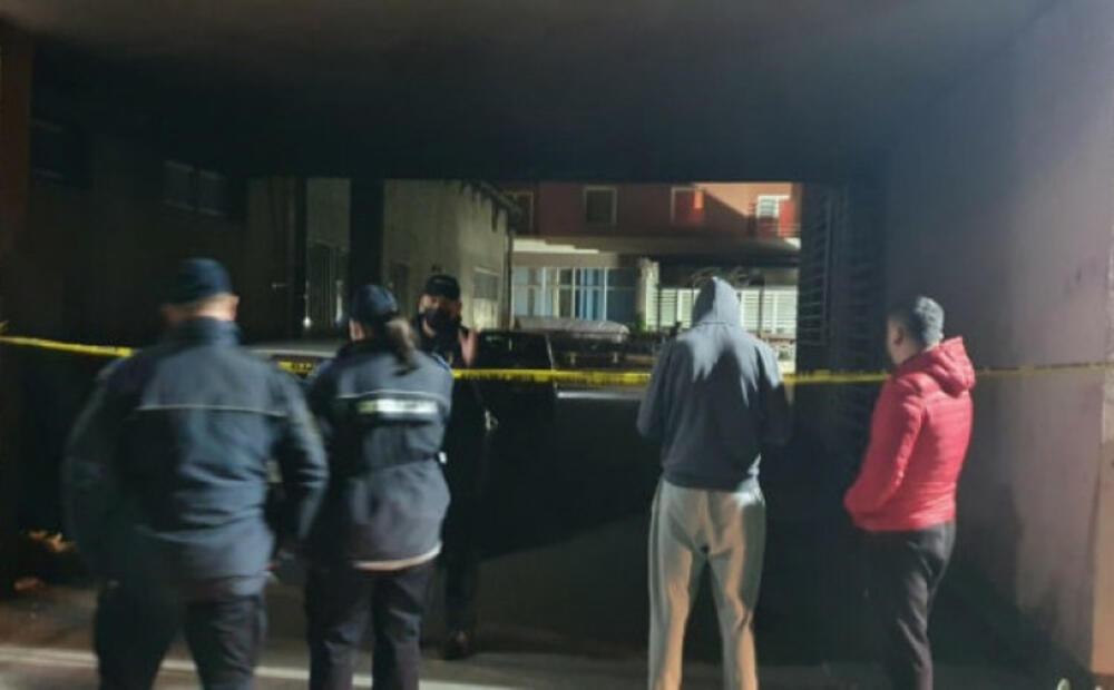 KAMERE SNIMILE MUŠKARCA KAKO POSTAVLJA BOMBU U BAŠTI KAFIĆA: Sarajevska policija na vreme reagovala, izbegnuta tragedija! VIDEO
