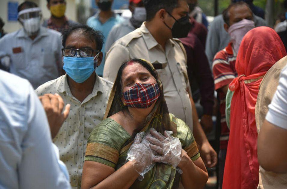 KATASTROFA U INDIJI: Rekordan broj umrlih od korone u jednom danu - 4.205, lekari kažu da ih je 10 puta više!