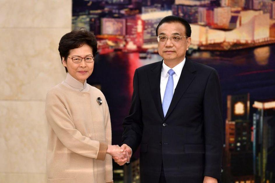KERI LAM U POSETI PEKINGU: Prvo razgovarala sa premijerom Lijem! (VIDEO)