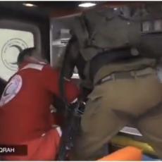 MUNJEVITA AKCIJA IZRAELACA: Uleteli u ambulantna kola - ranjeni Palestinac je nešto opasno zabrljao?! (VIDEO)