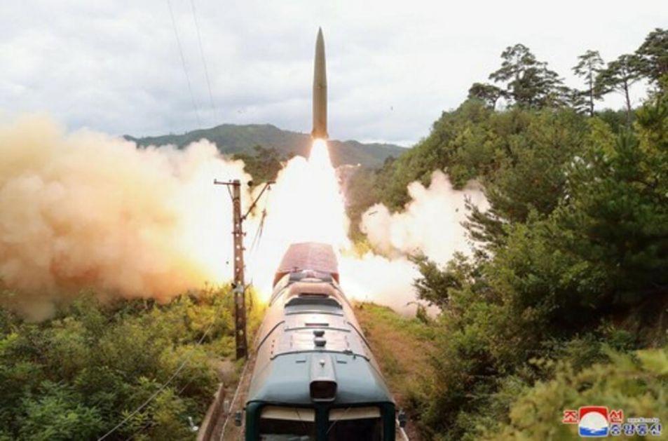 KIM DŽONG-UN PONOVO IZNENADIO SVET: Lansirao raketu na dosad neviđen način, biće ih još teže uhvatiti! VIDEO