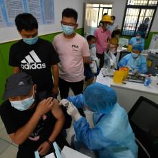 KINA PREŠLA MAGIČNU BROJKU U VAKCINACIJI: Dosad dato više od MILIJARDU doza cepiva