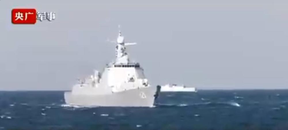 KINEZI POKAZALI ČUDO OD BRODA: Ovaj razarač ima radar koji vidi i stelt avione! (VIDEO)