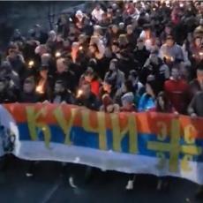 KIŠA POSUSTALA, ALI PLEME MARKA MILJANOVA NIJE: Kuči dostojanstveno stigli u Podgoricu! (VIDEO)