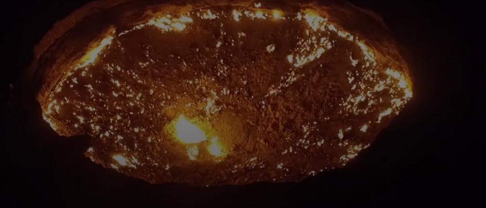 KO JE OTVORIO VRATA PAKLA? Misteriozni krater Darvaca već decenijama gori u pustinji Turkmenistana, podaci o njemu su tajna VIDEO