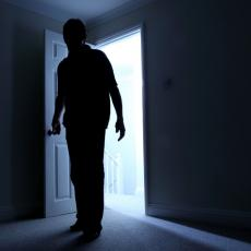 KO SU LJUDI KOJI ZLOSTAVLJAJU I MUČE DECU? Postoje dva tipa pedofila, silovatelja i manijaka