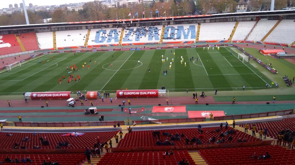 KO TEBE KAMENOM, TI NJEGA HLEBOM: Bravo za Srbe! Pogledajte kako su navijači Orlova reagovali na himnu Ukrajine (KURIR TV)
