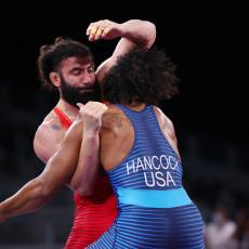 KOBNA JE BILA PRVA RUNDA: Ništa od četvrtfinala, Amerikanac IZBACIO Kadžaju!