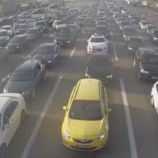 KOLAPS NA GRANIČNIM PRELAZIMA: Beskrajne kolone automobila, stoji se i po TRI SATA, evo gde je najgore