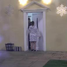 KOLAPS U NAJAVI NE DAM TI Miljana uletela Zoli u kupatilo, pa ga SALETELA! On je brutalno ODUVAO