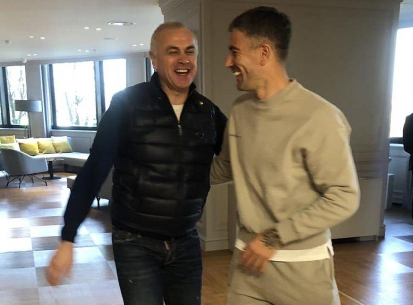 KOLAROV U POSETI DELEGACIJI CRVENE ZVEZDE: Srpski fudbaler poželeo sreću crveno-belima pred meč sa Milanom