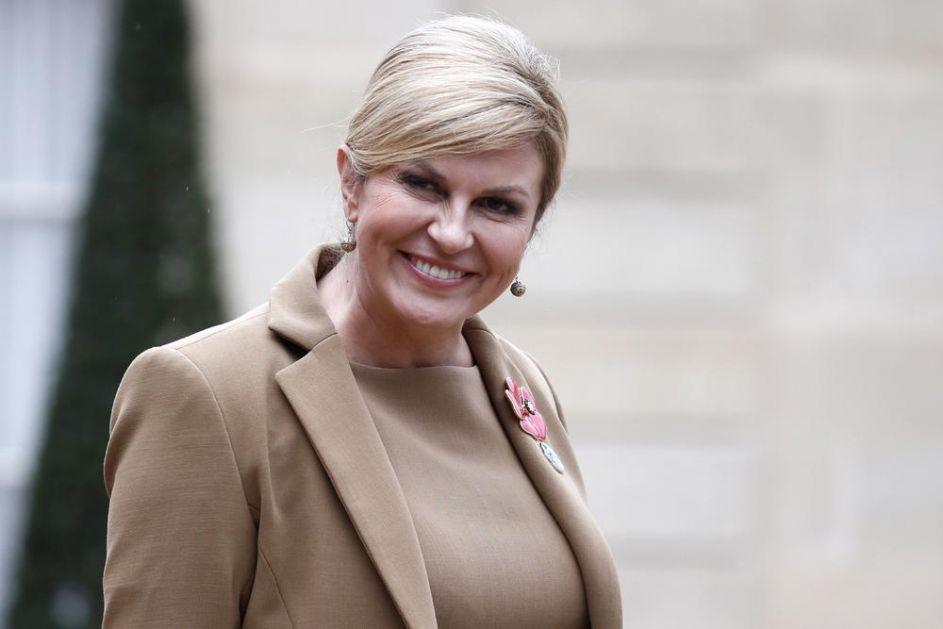 KOLINDA NIKAD IZAZOVNIJA Hrvatska predsednica se utegla u usku odeću, a onda ostavila mužu poruku: Ovo ti je lični poklon za rođendan (FOTO)