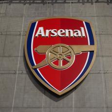 KORONA IH JE UNIŠTILA: Pljušte OTKAZI u Arsenalu - na ulicu će čak 55. zaposlenih!