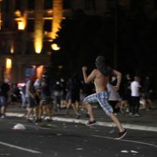 KORISTE POSEBAN SLENG: Profesor objasnio kako huligani na protestima komuniciraju prilikom pravljenja nereda