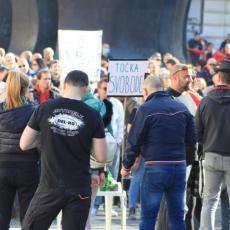KORONA BUKTI, ONI PROTESTUJU: Stotine ljudi u Mariboru izašlo na ulice nezadovoljni merema za sprečavanje širenja virusa