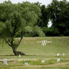 KORONA KOSI NJUJORČANE: Pogrebne službe pod pritiskom, ne stižu da prime MRTVE