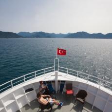 KORONA NE POSUSTAJE: U Turskoj raste broj obolelih brzinom munje
