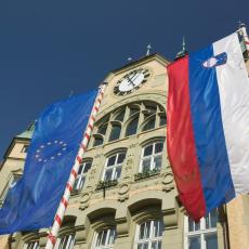 KORONA VIRUS NE SPAVA VIKENDOM: Uznemirujuća poruka iz slovenačke vlade