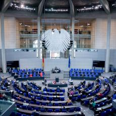 KOSOVO I METOHIJA OTUĐENA TERITORIJA SRBIJE! Poslanik Bundestaga jasan: Evropa će biti VAZAL Amerike!