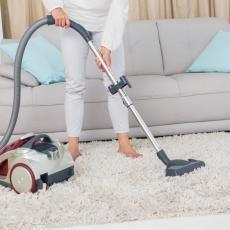 KOŠTA MANJE OD STO DINARA: Očistite tepih, biće KAO NOV, uz pomoć ove namirnice i pamučne krpe