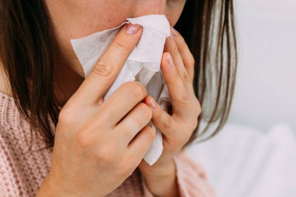 KOVID AMBULANTE PUNE ALERGIČNIH NA AMBROZIJU! Simptomi alergije mogu da liče na koronu, OBRATITE PAŽNJU NA OVO