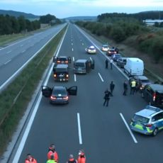 KRAJ TALAČKE KRIZE U LASTINOM AUTOBUSU U NEMAČKOJ! Policija uhapsila srpskog državljanina