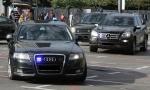 KREĆE KONTROLA AUTOMOBILA FUNKCIONERA: Službena vozila gube blinkere