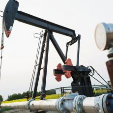 KRIZA UDARILA I NA NAJJAČE: Najveće svetske naftne kompanije izgubile čak 90 MILIJARDI DOLARA