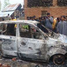 KRV JE PROLIVENA U KAŠMIRU: Žestok okršaj pobunjenika i snaga bezbednosti, petorica ubijenih (FOTO/VIDEO)