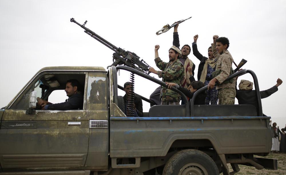 KRVOPROLIĆE U JEMENU: U napadu Huta poginulo najmanje 70 vojnika! U krvavom okršaju korišćene rakete!