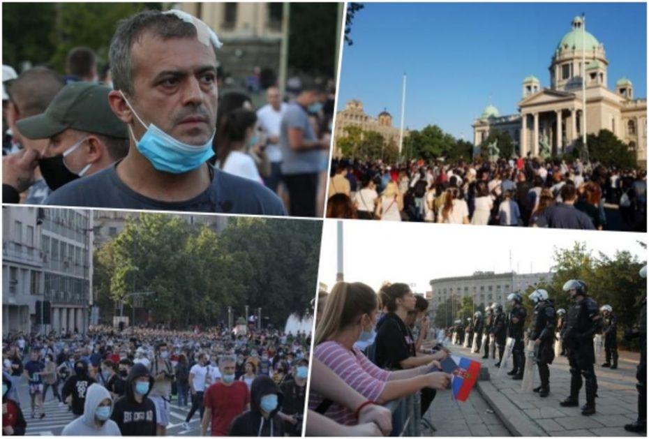 KURIR TELEVIZIJA UŽIVO! HAOS U BEOGRADU: Novi sukob demonstranata i policije, lete kamenice i suzavac