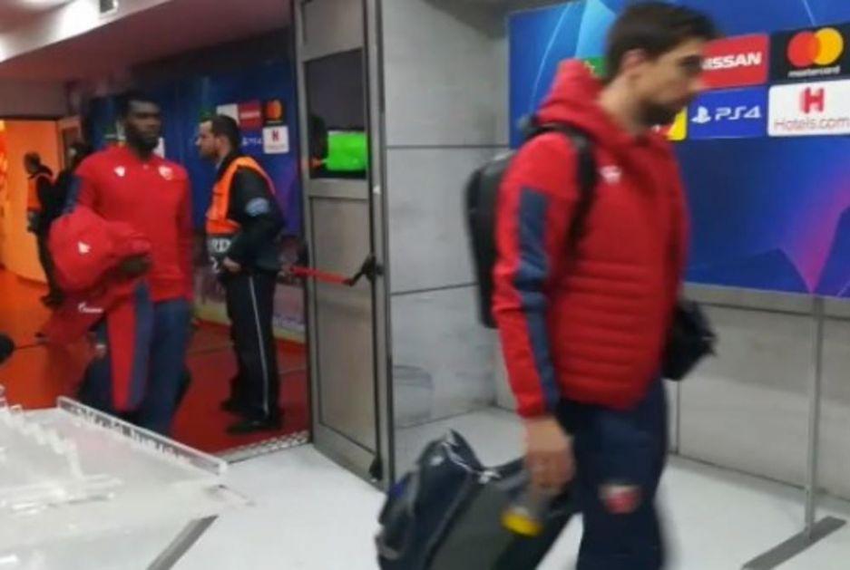 KURIR U ATINI! KAO POKISLI: Evo kako su Zvezdini tragičari Tomane i Žander napustili stadion Karaiskakis