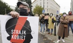 Kačinjski pozvao Poljake da brane crkve od protesta žena povodom zabrane abortusa