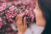 Kad ne osećaš miris proleća, a omiljeni parfem smrdi: Postkovid sindrom koji vodi ka depresiji