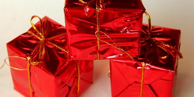 Kajakaški klub Tisin cvet darivao poklone za decu koja se leče na pedijatriji u Senti