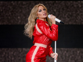 Kajli Minog prva žena čiji su albumi na vrhu liste već petu deceniju