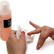 Kako da skinete lak sa noktiju bez acetona! Ovaj preparat sigurno imate u kući!