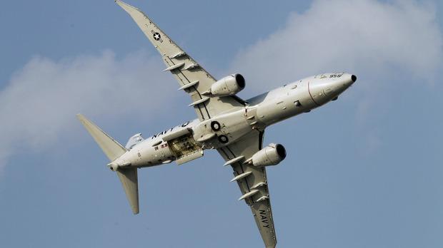 Kako izgleda kada se Su-35 približe krilima američkog posejdona
