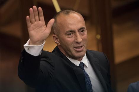 Kako je Ramuš Haradinaj prešao put od fizikalca u Švajcarskoj do premijera Kosova
