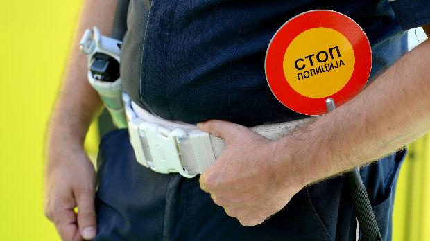 Kako se policija bori protiv vozača koji obaveštavaju jedni druge o patrolama