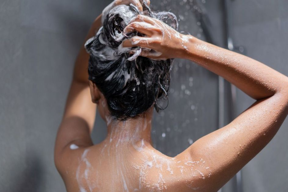 Kako ukloniti neželjenu boju kose? Pomoćiće vam ovi sjajni trikovi iz kuhinje