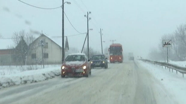 Putari spremni za sneg, apel vozačima da prilagode brzinu