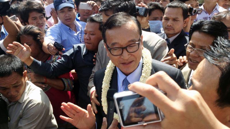 Kambodžijskom oporbenom vođi onemogućen let za povratak kući