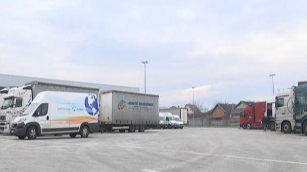 Kamiona sa jabukama 52 dana na ruskoj granici