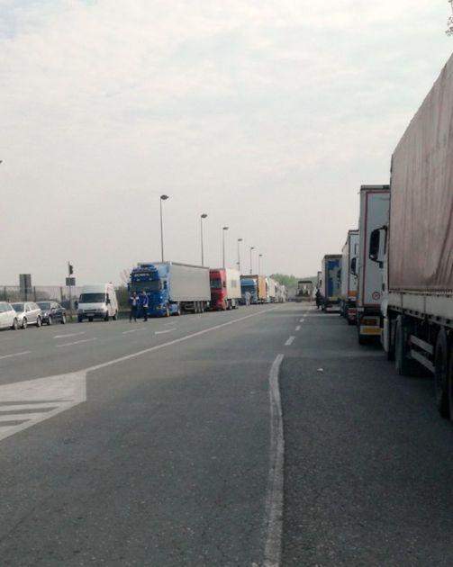 Saobraćaj umeren, nema čekanja za izlaz iz Srbije