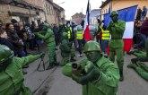 Karneval nekrštenih dana: Maske za podsmevanje političkoj sceni