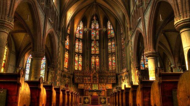 Katolici i protestanti obeležavaju Veliki petak, prenosi obreda na Jutjubu