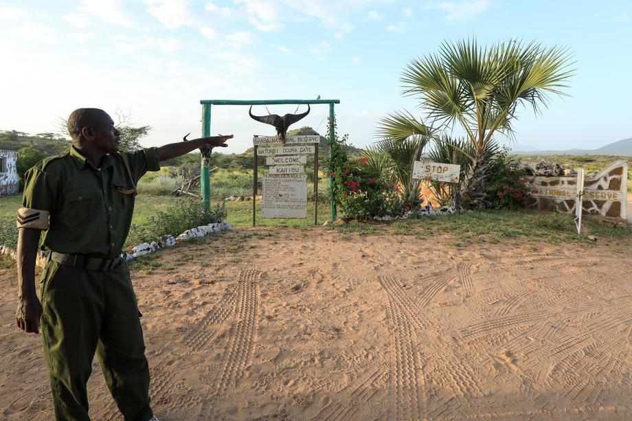 Kenija: Policija vukla po putu devojku vezanu za motocikl