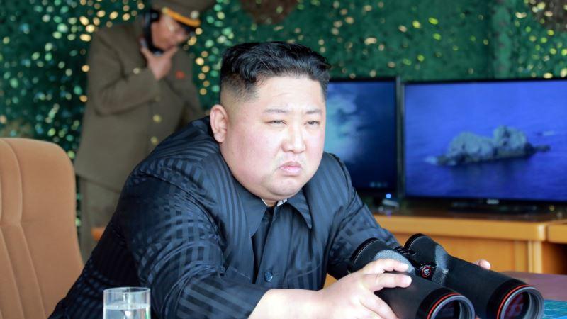 Kim Jong Un obišao novu podmornicu