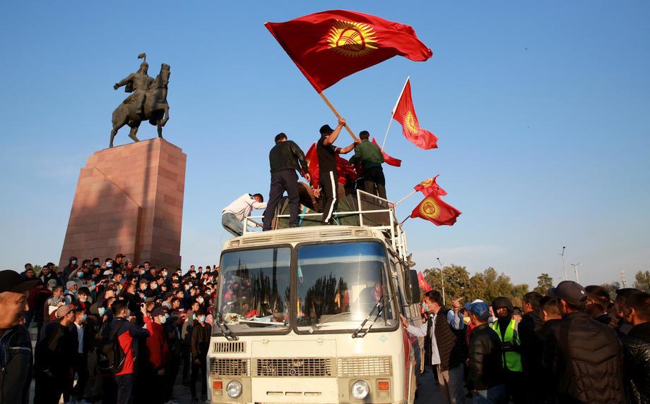 Kirgistan: Referedum o ustavnim amandmanima i lokalni izbori